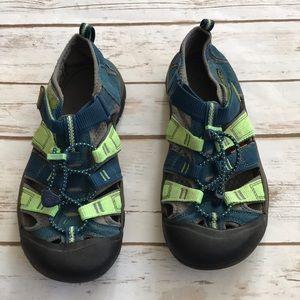 Keens Athletic Sandals Sz 4 Blue Green